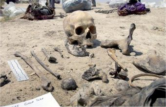 Bones of a Kurdish victim of the Anfal campaign unearthed in 2003 in Hatra, Ninewa. Photo: Science Photo Library